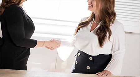 مهارات المقابلة وكيفية عمل سيرة ذاتية مهنية